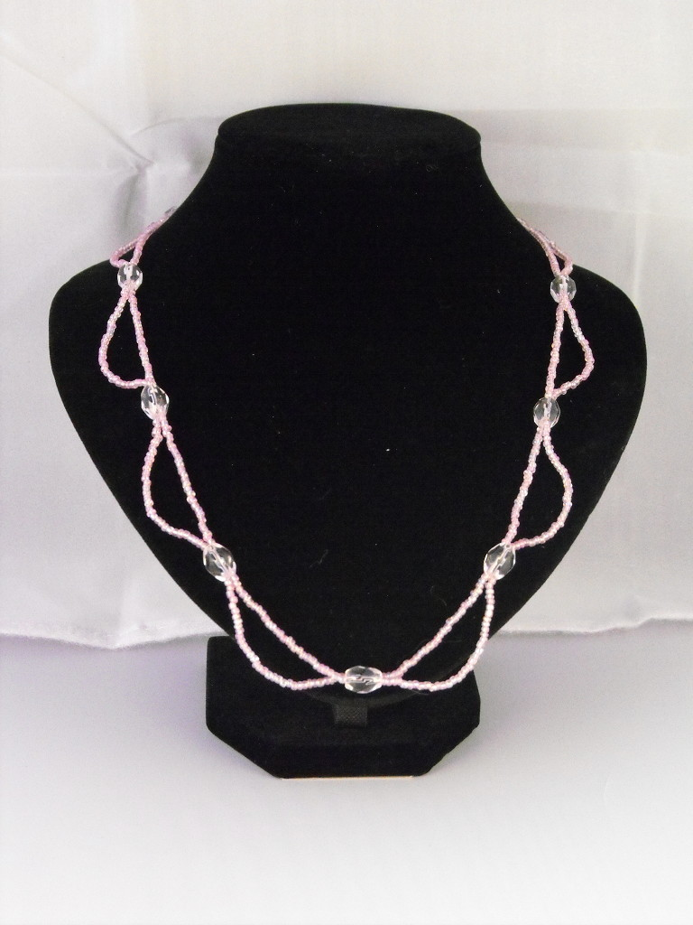 A1015 - Pink Seed Beads & Crystals