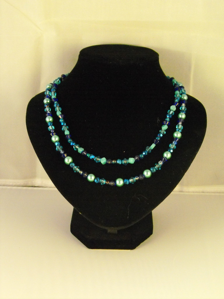 A1031 - Mixed Blue beads Double Stranded