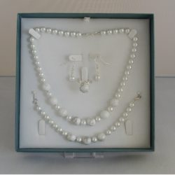 D0004 -White Glass Pearls & Magnesite 4 Piece Set