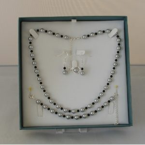 D0013 - Silver Gray Glass Pearls & Black Onyx 4 Piece Set