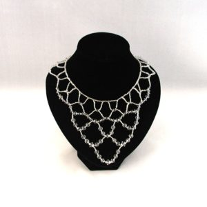 A1039 Small Crystal Collar