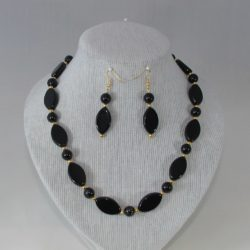 Oval Black Beads Necklace Ear Rings