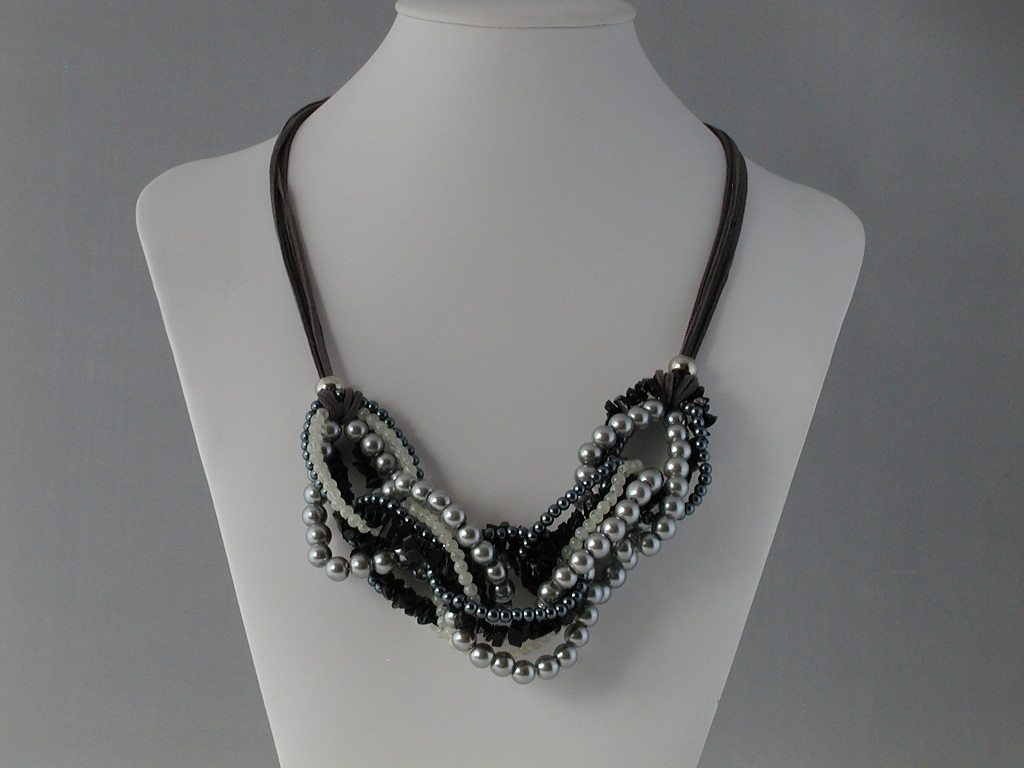 Mixed Gray Rings Gray Suede Necklace