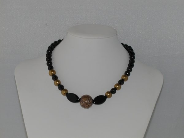 Black Pearls Gold Beads Chunky Necklace