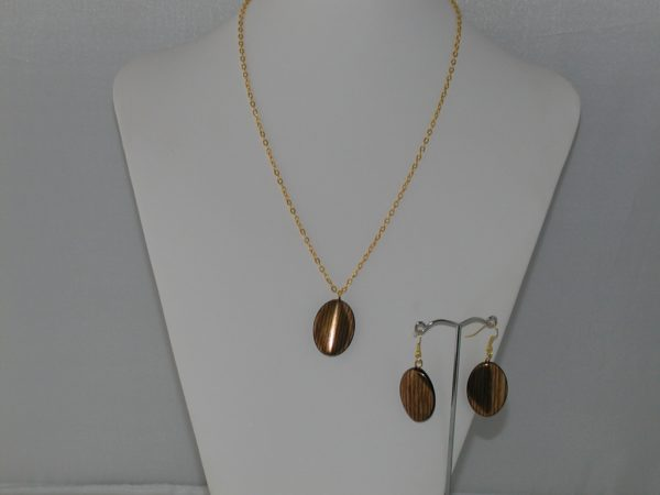 Gold Chain Oval Shaped Dangles Necklace Ear Rings