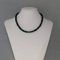 Black Pearls Green Mottled Draw Bench Bead Necklace