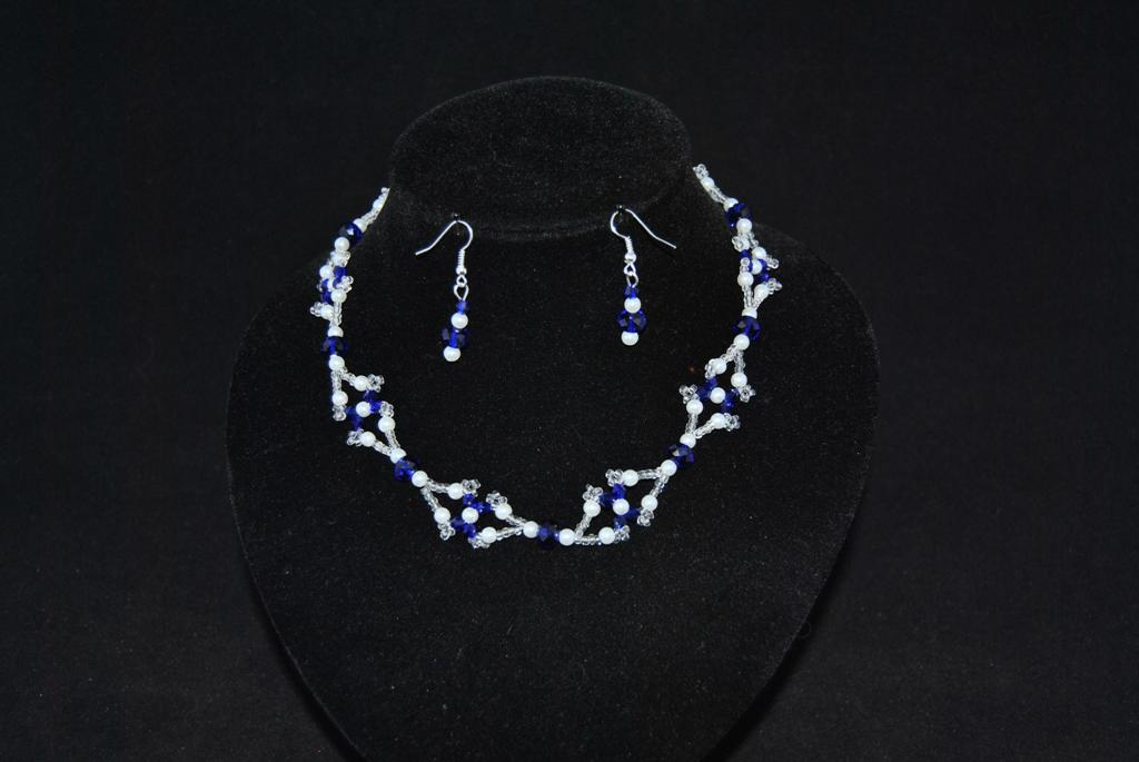 Sapphire Crystals White Pearls Choker Necklace Ear Rings Set