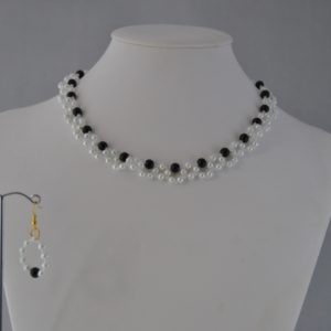 White Pearls Black Pearls Choker Necklace Ear Rings Set