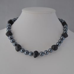 Gray Pearls Agate Nuggets Necklace