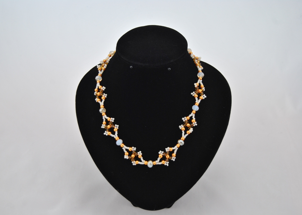 Topaz Bi-cones Golden Pearls Choker Necklace