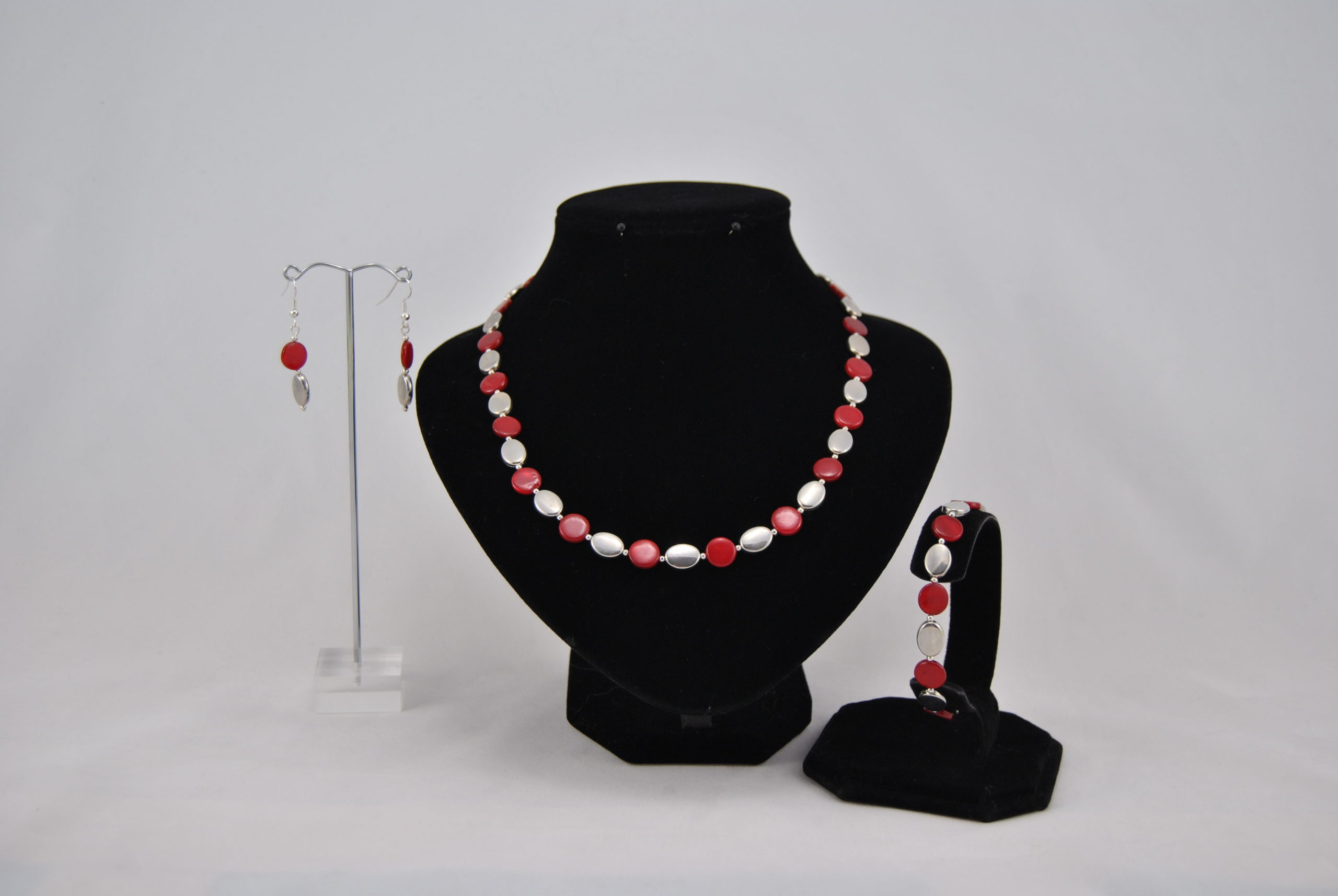Red Disks Silver Oval Beads Necklace Bracelet Ear Rings