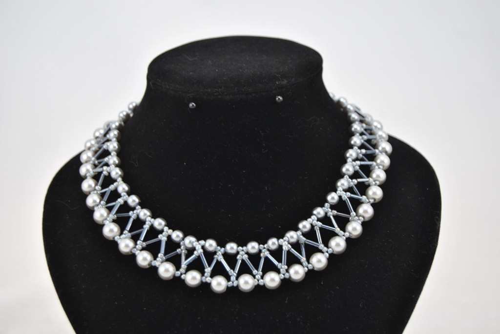 Gray Pearls Lattice Design Choker Necklace