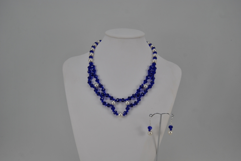 Sapphire Rondelle's White Pearls Choker Necklace Ear Rings Set