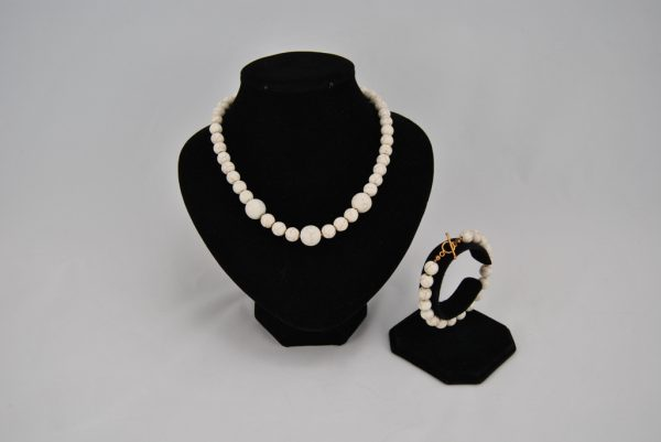 Cream Magnesite Necklace Bracelet Set