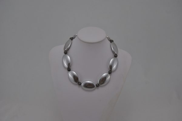 Silver Ovals Silver Filigree Spheres Necklace
